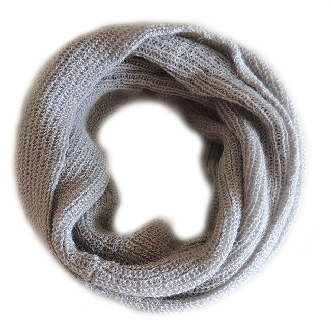 001-11-1005-02 compact circle scarf light grey 100% Baby Alpaca