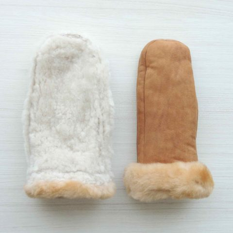 Mittens handmade of 100% natural Sheepskin and fur with luxary 100% soft baby alpaca cuffs in color camel