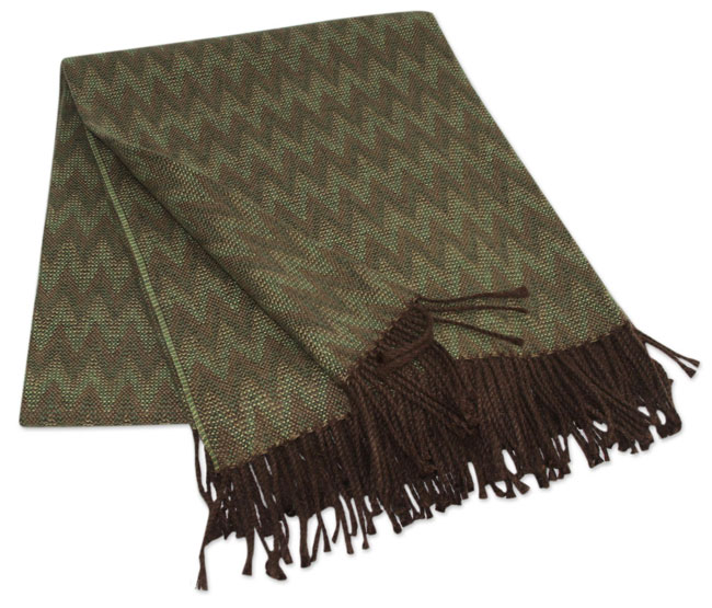 010-01-2011_18 Alpaca blended throws Augostino collection