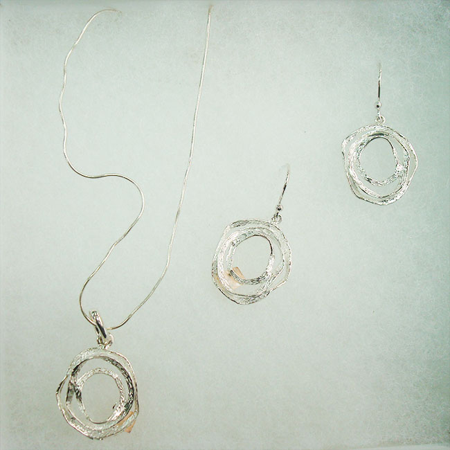 Jewelry, Laberinto, elegant necklace and earrings made ​​of silver 950