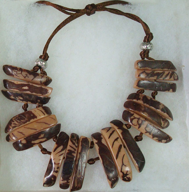 Jewelry, Taqua brown natural, necklace made of natural Vegetable ivory (taqua).