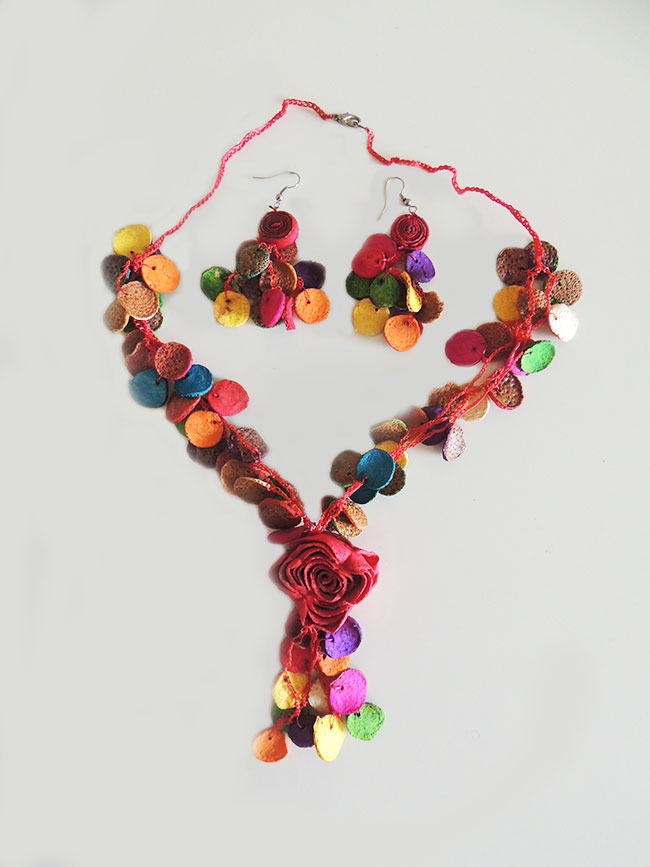 Jewelry, Rosas de colores, set necklace and earrings of colorful roses