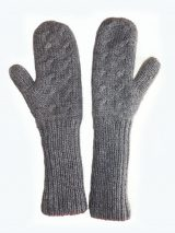 Womenswear, double knitted, reversible gloves in Alpaca blend in shades of red and gray.