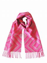 Scarf with graphic pattern and fringes made in baby alpaca