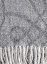 Scarf gray with woven graphic motif and fringes made in baby alpaca.