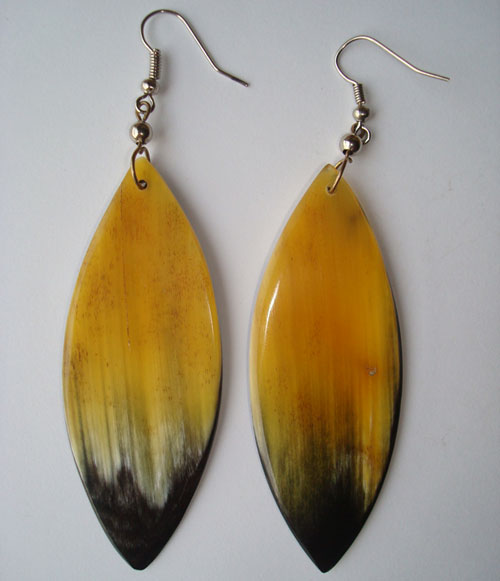 Pfl earrings leaf-shaped figure handmade of buffalo horn.