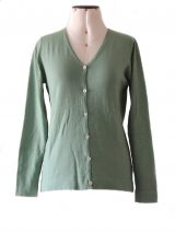 Women's cardigan Luana green with V-neck and button closure.