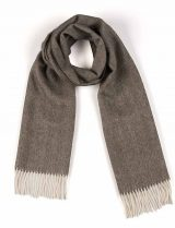 Scarf 100% baby alpaca with herringbone pattern and fringes