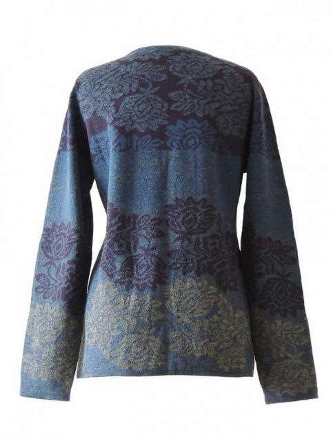 PFL knitwear Cardigan Georgina, a lust for the eye and deliciously soft to wear this cardigan with an all-over jacquard flower pattern, crew neck and button closure in 100% baby alpaca.