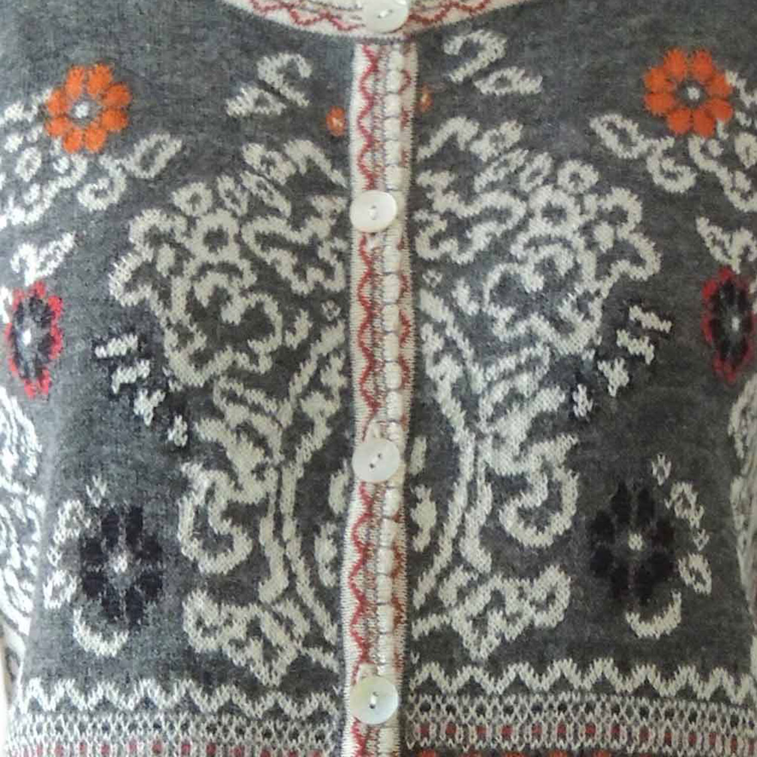 PopsFL knitwear Cardigan Lucy gray - creme - red - orange - black with print in jacquard knit, crew neck and mother of pearl button closure, in 100% baby alpaca wool