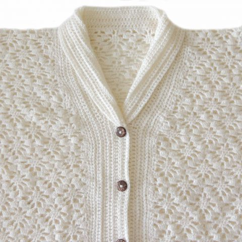 Popsplaza Women's cardigan creme hand knitted with flower pattern, solid color v-neck Made in a alpaca blend