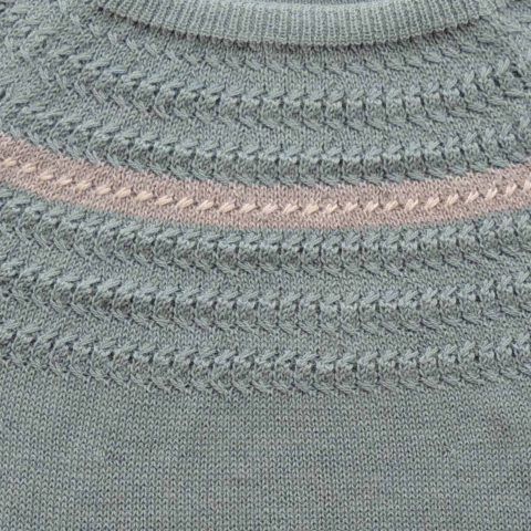 PFL Knitwear Women's sweater / pullover, knitted with boat neck, long sleeves in light taupe yarn with gray stripe and creme white detail. with split on the side. Made of 100% soft and warm baby alpaca