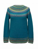 Women's 100% alpaca pullover sweater with symmetrical patterns